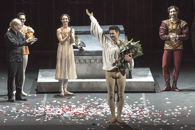 """Despedida en el Teatro Colón de Iñaki Urlezaga: """"Desde que dejé de bailar logré un gran equilibrio emocional: ahora el tsunami es externo"""""""