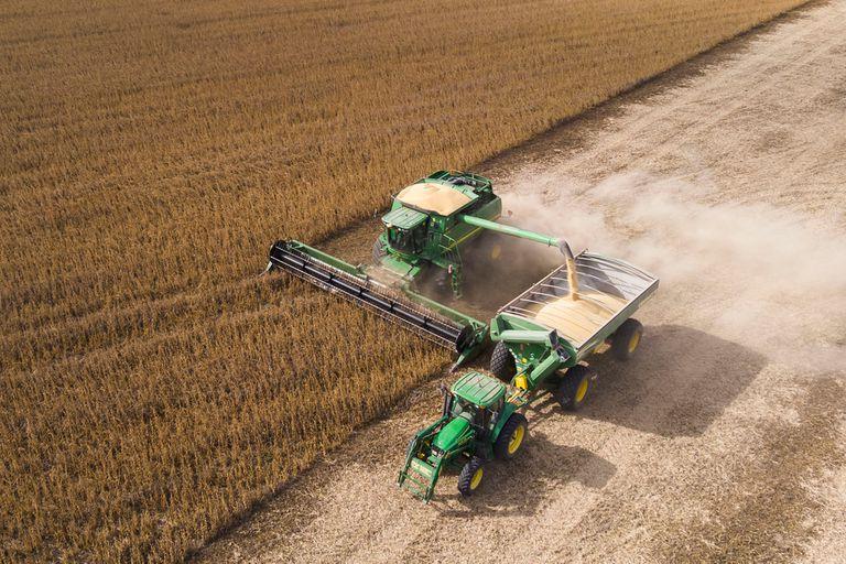 Una agresiva entrada en el mercado de los grandes fondos de inversión, que renuevan su apuesta por los granos, disparó los precios de la soja en la Bolsa de Chicago