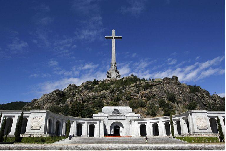 El Valle de los Caídos, donde esta la tumba de Franco, es uno de los lugares en conflicto