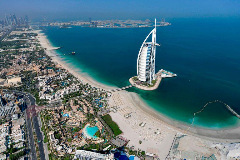 ¿Qué pide? Emiratos Árabes Unidos ofrece la ciudadanía a extranjeros talentosos