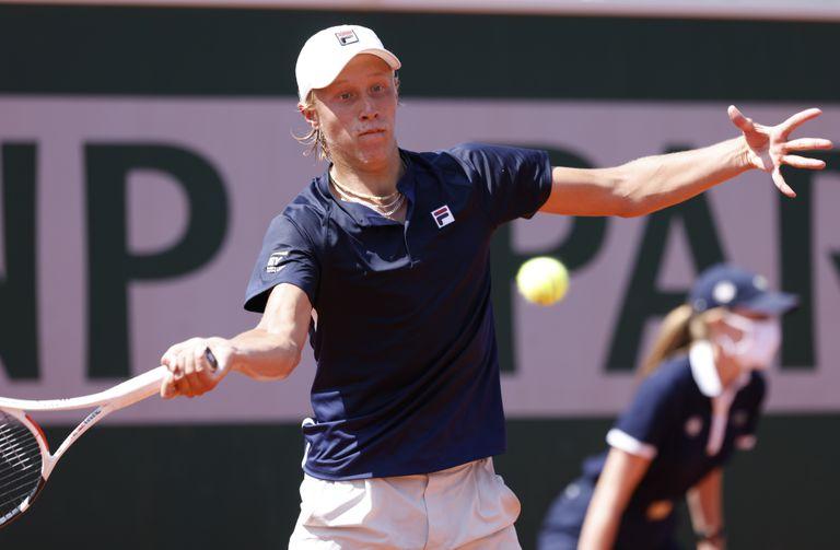 El sueco Leo Borg, hijo de la leyenda del tenis Bjorn Borg, triunfó en la primera ronda del cuadro de juniors en Roland Garros.