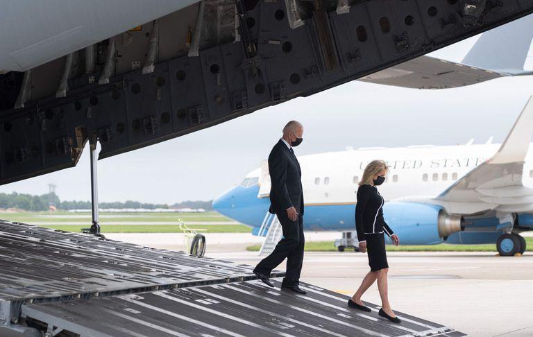 La llegada de Joe y Jill Biden a la base de Dover