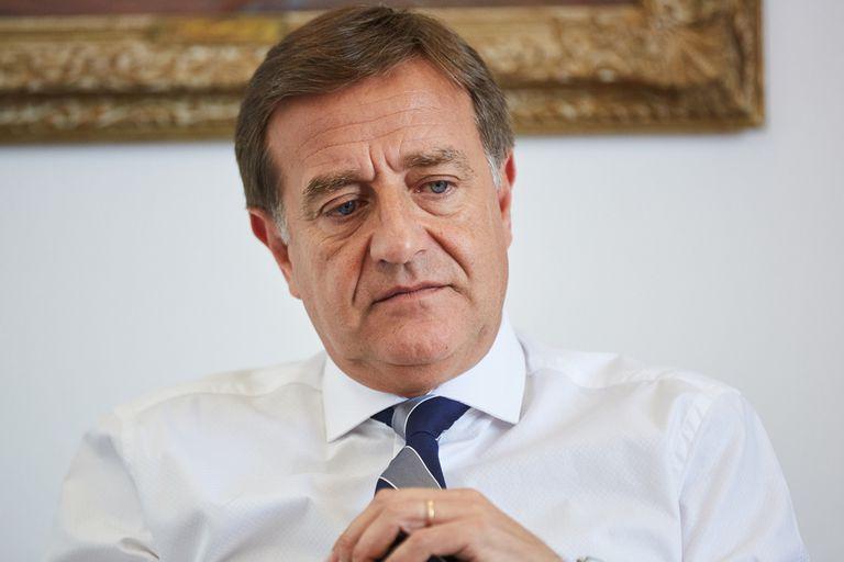 El gobernador radical de Mendoza, Rodolfo Suárez.