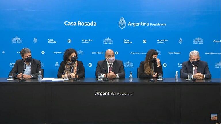Conferencia de prensa de Juan Manzur, Aníbal Fernández, Matías Lammens y Carla Vizzotti. Vuelta al fútbol.