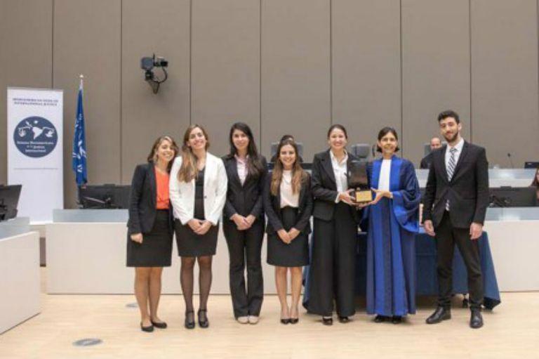 El equipo estuvo conformado por Marianela Lotito, Desiré Salomón, Florencia Natalia Leguiza y Gonzalo Guerrero