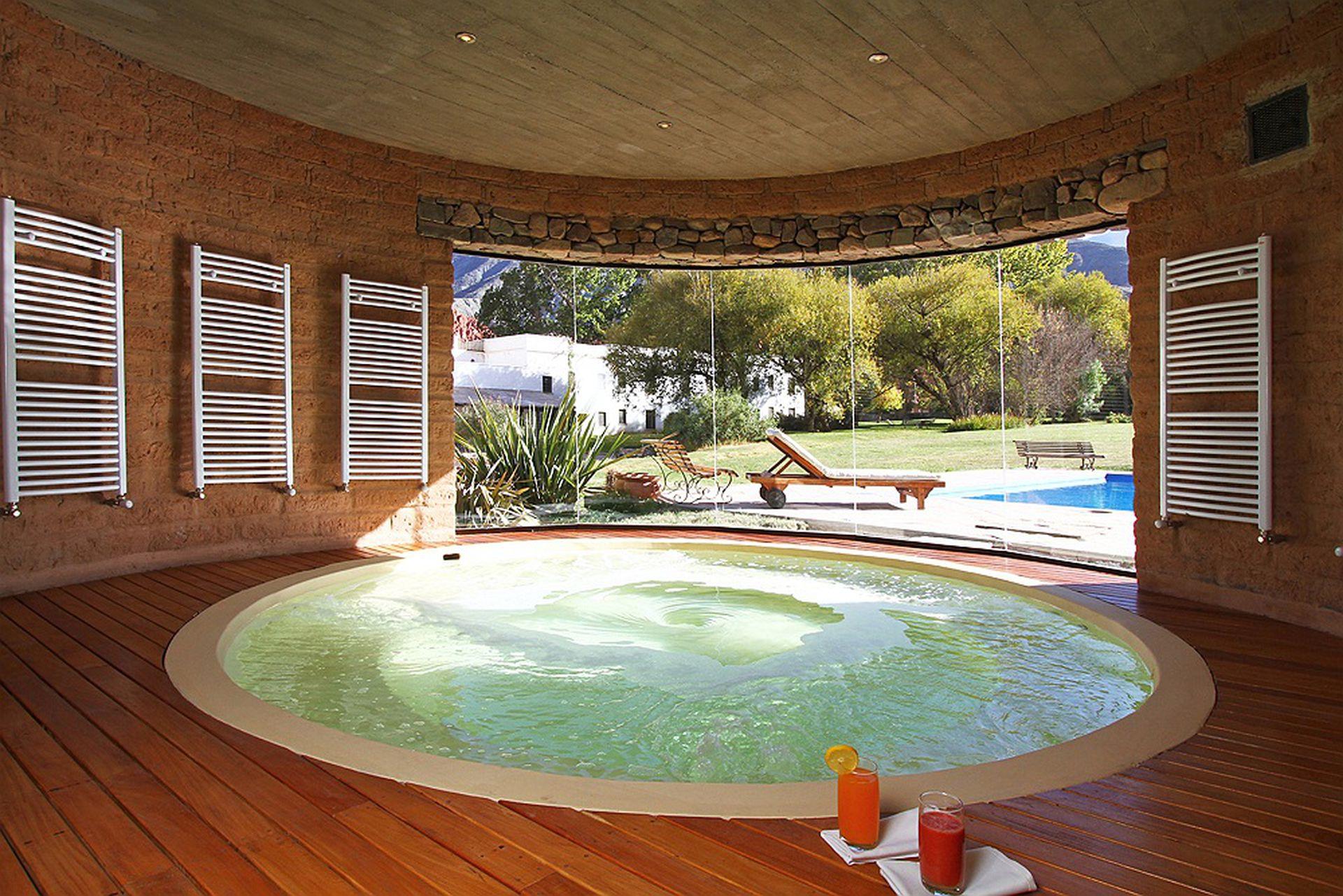 El spa con una vista exquisita a los Andes.