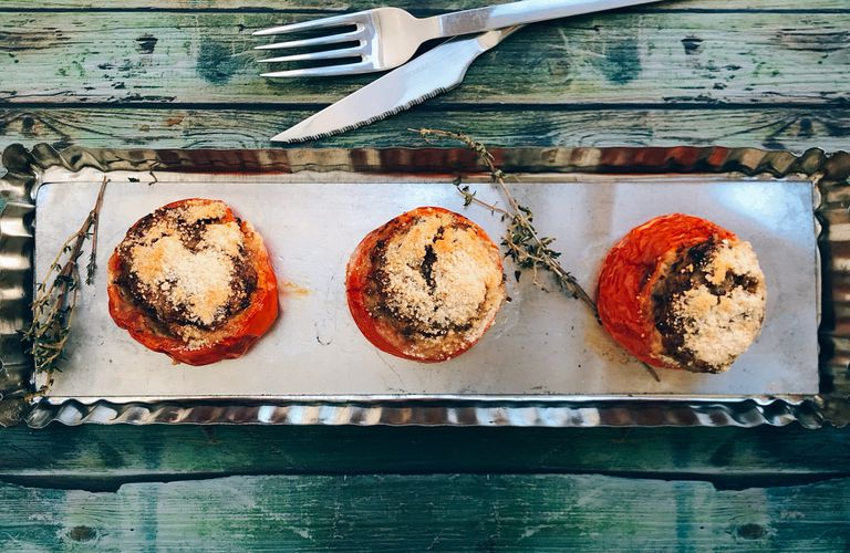Tomates asados con relleno de berenjenas