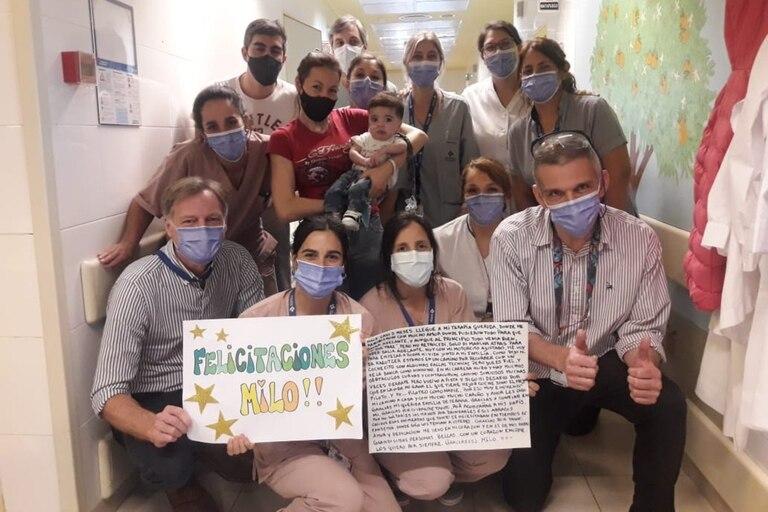 Milo León Guibondot nació el 1 de abril con una hernia diafragmática y, luego de dos cirugías complejas en el Hospital Austral, recibió el alta tras siete meses de internación en plena pandemia