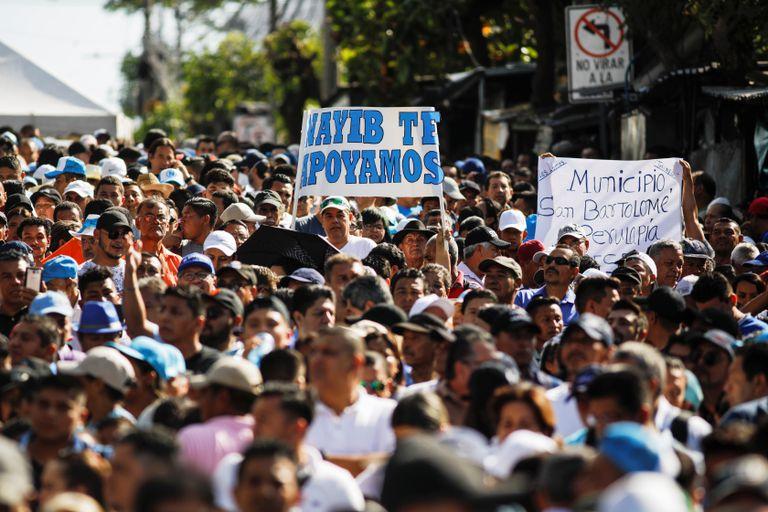 Simpatizantes del presidente de El Salvador Nayib Bukele