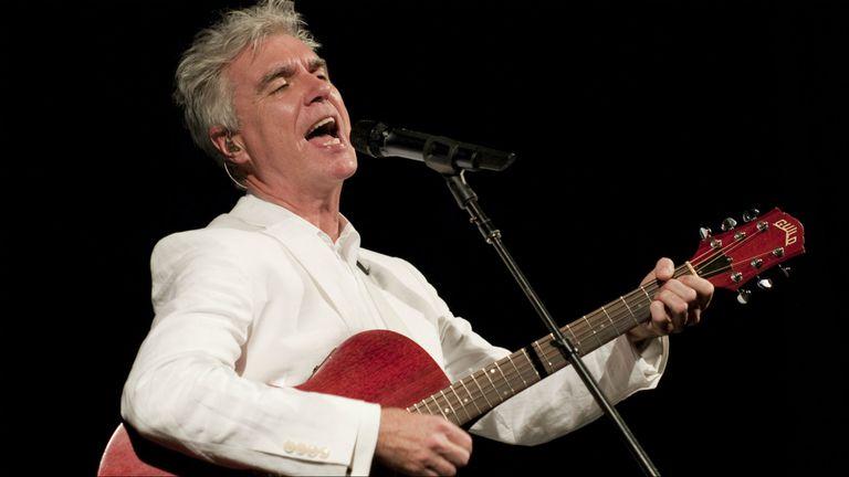 David Byrne vendrá en marzo a Lollapalooza y también se presentará en un sideshow del festival, en el teatro Gran Rex