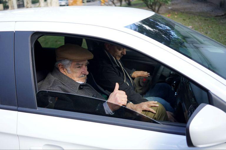 Tabaré recibió a Mujica en medio de versiones sobre el alcance de su enfermedad