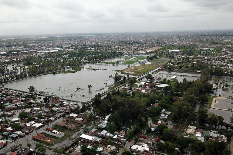 Hubo casi 6000 evacuados por las inundaciones en la provincia