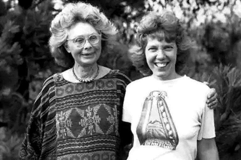Clara Park y su hija Jessy, a quien diagnosticaron autismo infantil; con amor e inteligencia ambas construyeron un lazo único