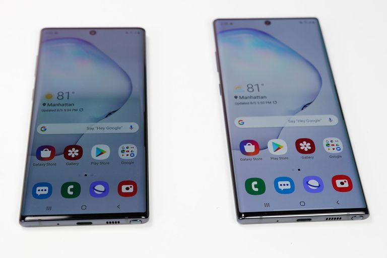 Con el Galaxy Note 10 a la izquierda y el Galaxy Note 10 Plus a la derecha, la compañía surcoreana mantiene su apuesta en los celulares gigantes con stylus