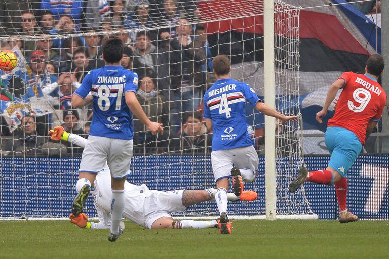 Con otro gol de Higuaín, que lleva 21 en 21 fechas, Napoli ganó y se afirmó en l