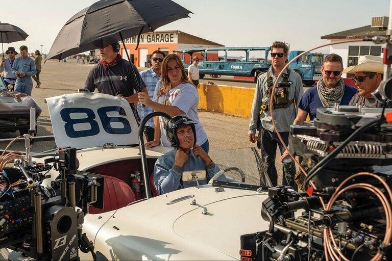James Mangold dirige a Christian Bale durante el rodaje de Ford vs. Ferrari, tal el título original de Contra lo imposible