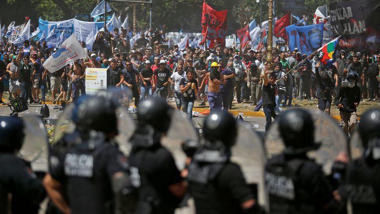 La izquierda protesta en Comodoro Py por el juicio a dos activistas