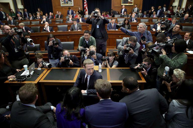 Mark Zuckerberg: tuvo un accidentado paso por el Congreso para defender Libra