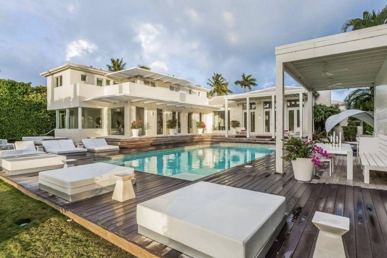 En fotos: la opulenta mansión de Shakira en Miami que nadie quiere comprar