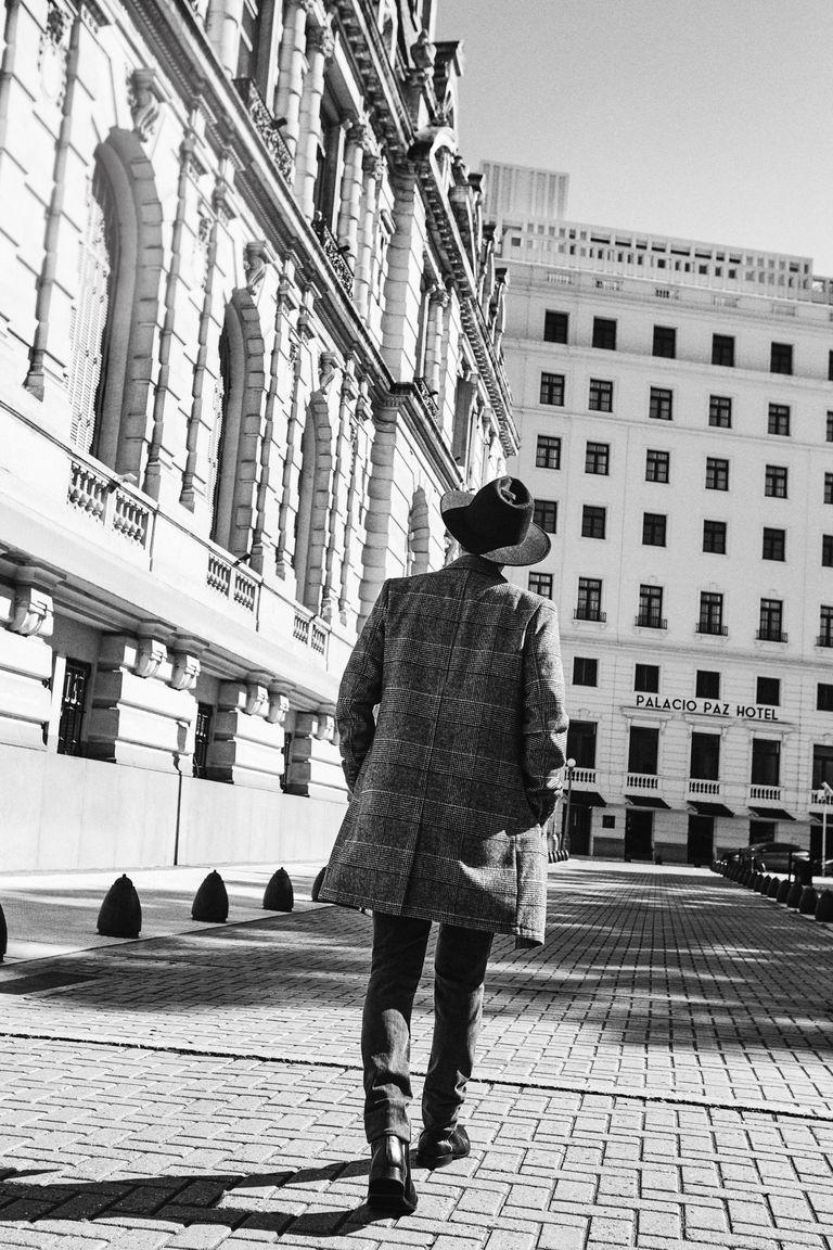 Carismático, con estilo y muy educado, Benjamín Vicuña es un referente para las marcas de moda como Equus, que lo eligió como su nueva imagen.