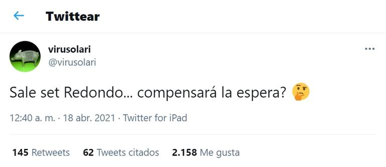 """Virginia Mones Ruíz, pareja de """"El Indio"""" Solari alentó a Los Fundamentalistas del Aire Acondicionado desde Twitter y mantuvo un contacto directo con los usuarios."""