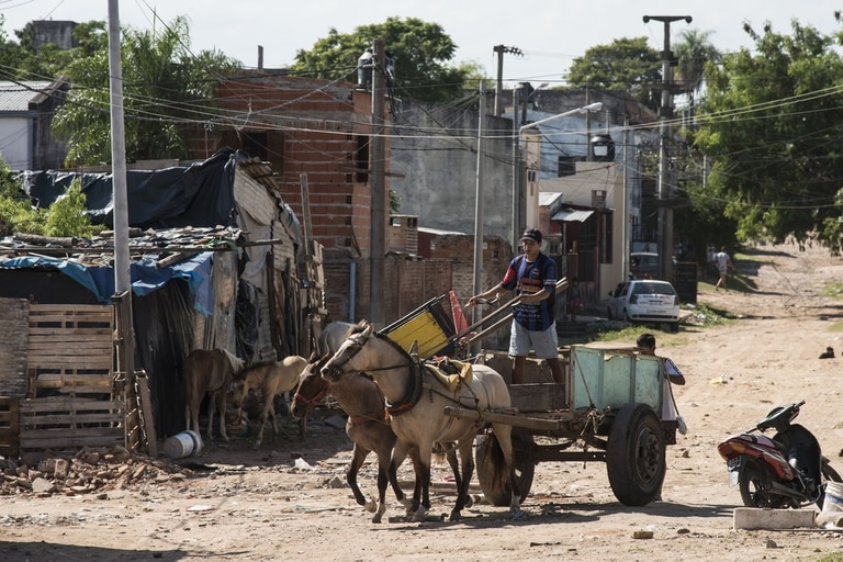Pobreza en Corrientes. El INDEC dijo que la ciudad de Corrientes es la mas pobre del pais. Villa de pescadores al este de la ciudad 10-04-19 Foto: Marcelo Manera