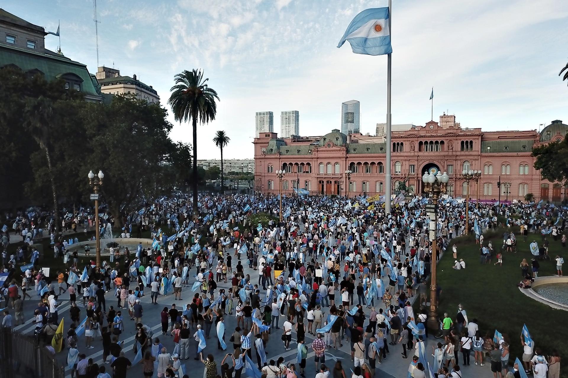 La manifestación en Plaza de Mayo desde el aire