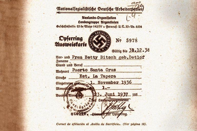 El banco suizo acepta revisar la cuenta del dinero nazi