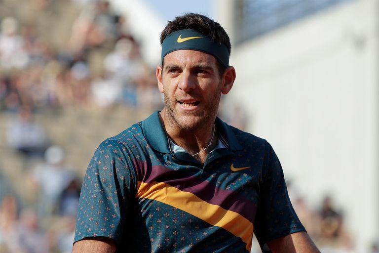 Del Potro, que no compite desde junio de 2019 por una lesión de rodilla derecha, volvió a practicar tenis en una cancha de cemento.