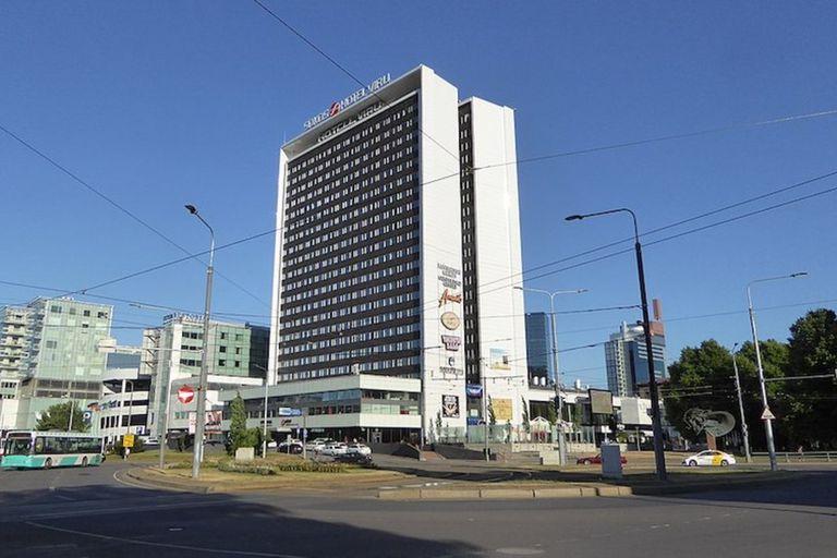 """Estonia: la increíble historia del hotel con un """"piso fantasma"""" para espías"""