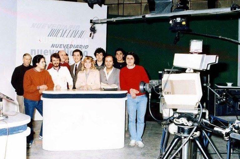 Nuevediario, el noticiero que salía al aire desde un pequeño estudio de Canal 9 Libertad, propiedad de Alejandro Romay