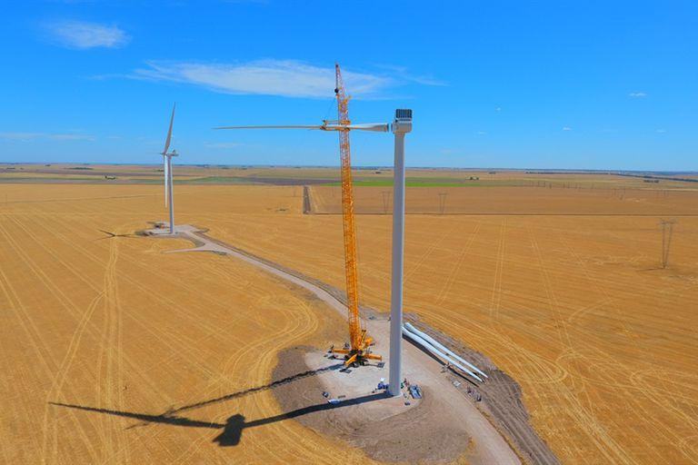 El comienzo de la instalación de aerogeneradores en el Parque Corti