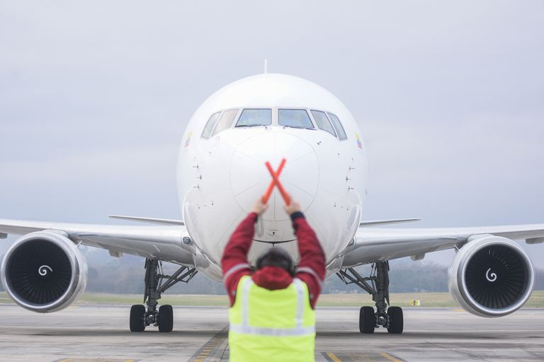Las firmas aéreas confirmaron sus rutas para lo que queda del mes