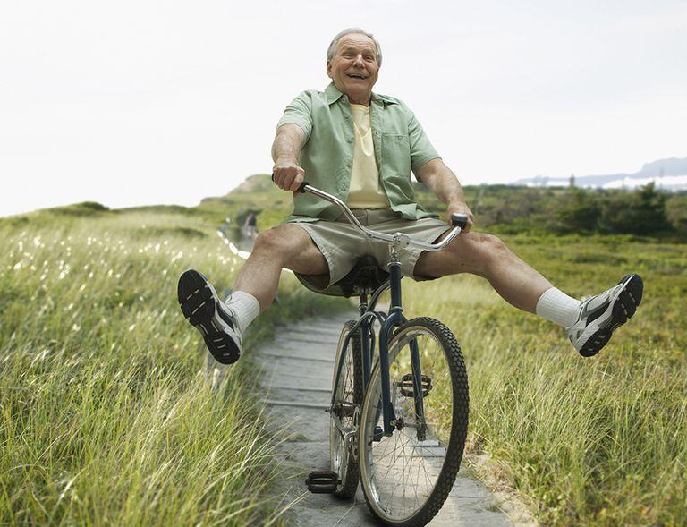 Las personas mayores que hacen ejercicio de forma cotidiana pueden evitar parte del decaimiento físico que trae el paso de los años.