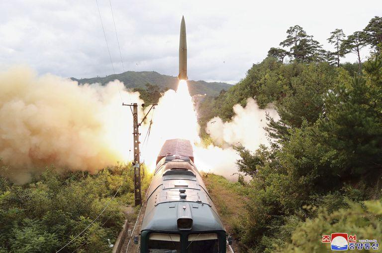 """Así es el sistema de """"misiles ferroviarios"""" que probó Corea del Norte"""