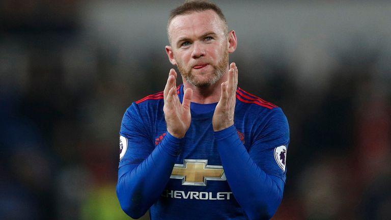 Wayne Rooney superó el récord de Charlton