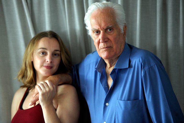 Compañera leal. Luppi, con su inseparable mujer, la actriz española Susana Hornos.