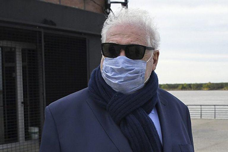 Ginés González García fue recibido con un cacerolazo e insultos por los vecinos de Puerto Madero