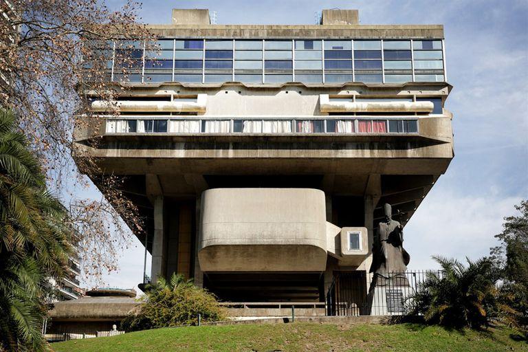La Biblioteca Nacional reabre después de un año