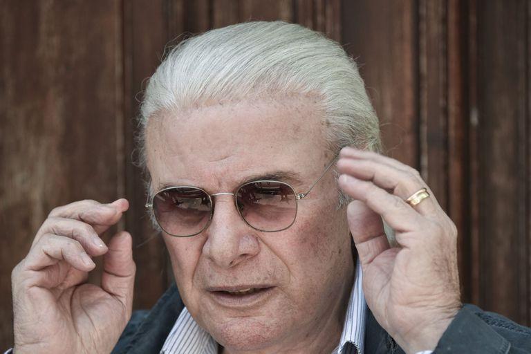 El actor se descompuso en el teatro tras la primera función de 20 millones, la obra que protagoniza con Carmen Barbieri