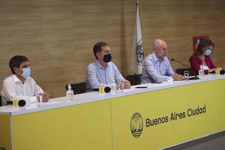 El jefe de Gobierno porteño puso a parte de su equipo a gestionar el posible aumento de camas de terapia intensiva para enfrentar la segunda ola del coronavirus.