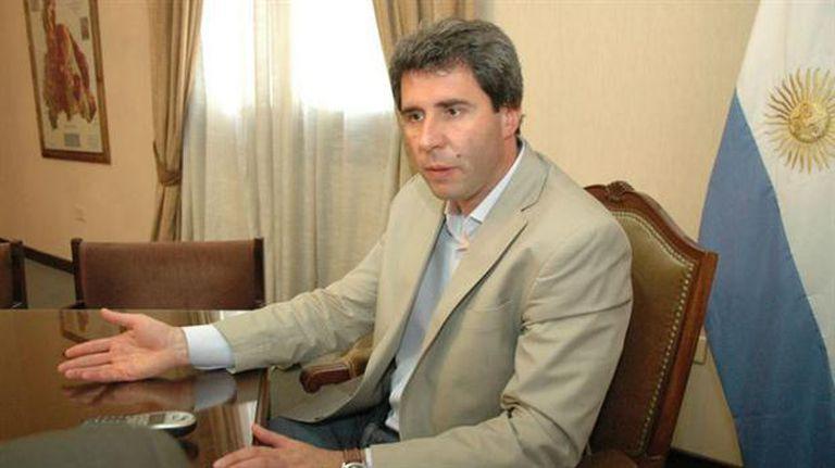Uñac planteó cuestionamientos al proyecto de la oposición