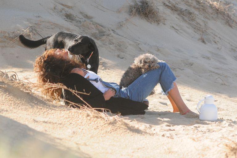 La acompañaron sus perros Allegra y Renzo