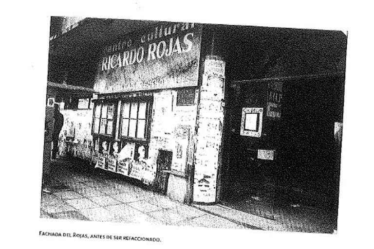 La fachada original del Centro Cultural que abrió en 1984 en la avenida Corrientes al 2000
