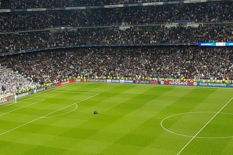 El arquero Sven Ulreich, último en retirarse del inmenso Bernabéu, después de una actuación para el olvido