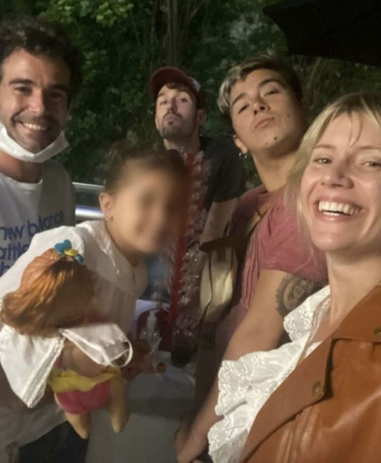 Laurita Fernández y Nicolás Cabré pasaron las fiestas navideñas con sus familias en un festejo que también tuvo como invitada especial a Rufina, la hija del actor con la China Suárez