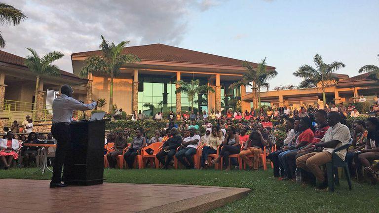Educación: premian al fundador de una universidad para combatir la corrupción en África