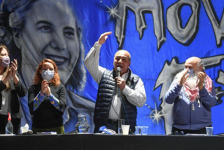 En medio de la interna oficialista, Manzur se mostró junto al Movimiento Evita