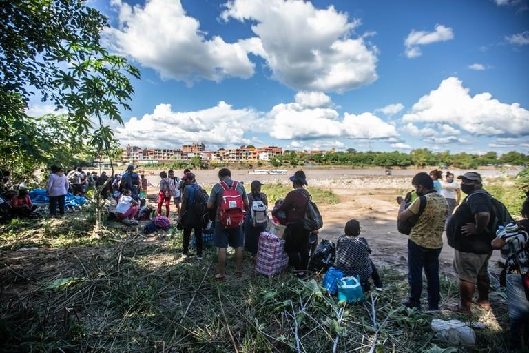 Los bagayeros cruzan en forma ilegal mercaderías desde Bolivia a la Argentina