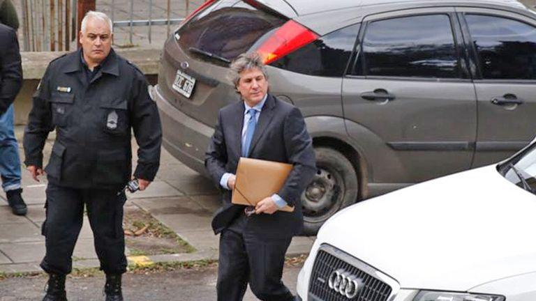 Amado Boudou llegó poco después de las 9 a los tribunales de Comodoro Py